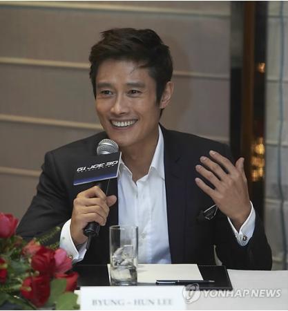 イ・ビョンホンが香港で栄冠 米映画界も賛辞 イ・ビョンホンが香港で栄冠 米映画界も賛辞 −1−