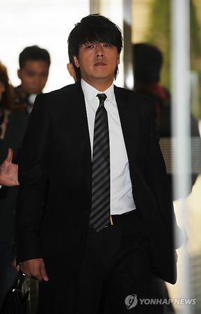 リュ・シウォンに懲役8月を求刑…韓国検察 リュ・シウォンに懲役8月を求刑…韓国検察 2013年8