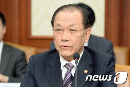 韓国・黄祐呂副首相、歴史問題で...