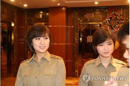 北朝鮮の牡丹峰楽団が北京到着 1...
