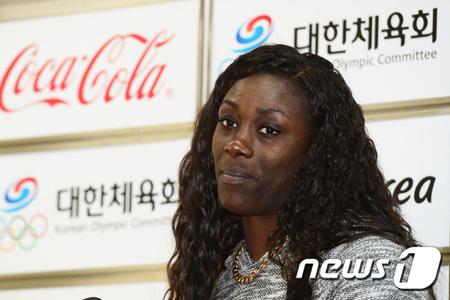 <女子バスケ>韓国人祖母もつ米国出身チェルシー・リー、リオ五輪出場に暗雲… 「法務部の審査、未だ」