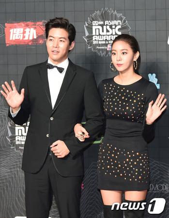 「AS」ユイと熱愛中の俳優イ・サンユン、心境を告白 「愛する人との出会い、隠したくなかった」