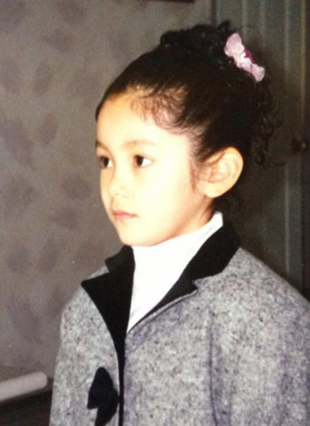 """エリック(SHINHWA)と交際認めたナ・ヘミ、幼少期から""""美少女""""に変わりなし"""