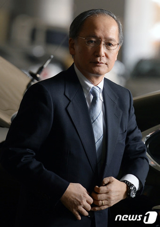 長嶺安政駐韓日本大使、今夜帰任...