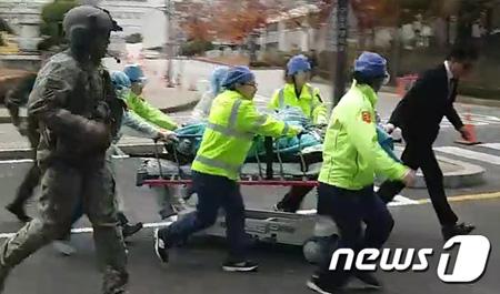 亡命過程で銃撃受けた北朝鮮兵、...