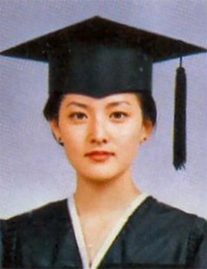 """イ・ヨンエ 卒業写真の中でも""""酸素のような女性""""の画像"""