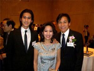 国民俳優アン・ソンギ 家族写真...
