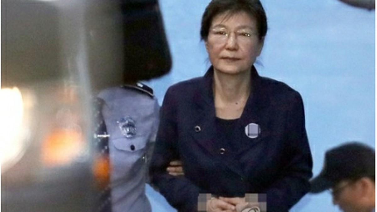 朴槿恵前大統領の公判再開もあすに延期 本人が出廷せず