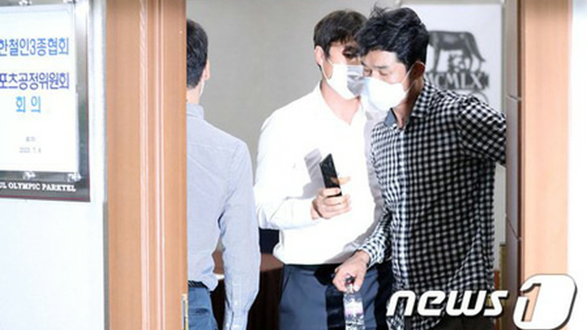 女子トライアスロン元韓国代表選手の自殺、暴行・暴言の監督と主将「永久除名」に