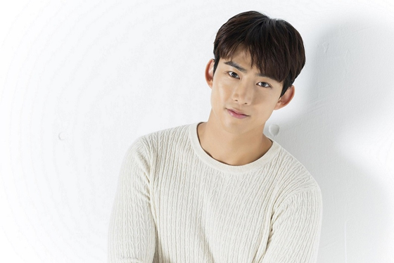 """テギョン(2PM)、キム・ソヒョンとの""""11歳差カップル""""にお似合いと自信 ..."""