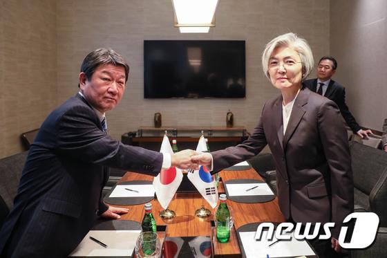 外務省、徴用工問題「韓国の責任で解決策を示すよう改めて要求」│韓国 ...