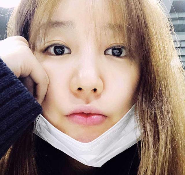 女優のユン・ウネ、インスタにすっぴんでも屈辱のない童顔を公開 ...