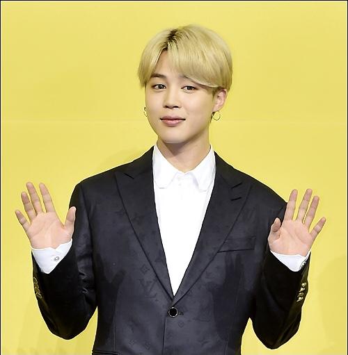 JIMIN(BTS)に憧れる英国のインフルエンサー、整形手術で「韓国人」に=費用は15万ドル(約1700万円)
