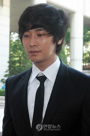 麻薬使用容疑で公判に出廷する俳優チュ・ジフン 麻薬使用容疑で公判に出廷する俳優チュ・ジフン│韓国