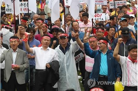 韓中FTAに反対 農業団体がソウルで大規模集会